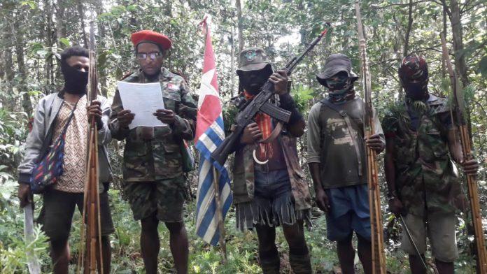 Tentara Pembebasan Nasional Papua Barat TPNPB Organisasi Papua Merdeka OPM saat menyampaikan pernyataan